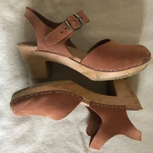 Moheda clogs in tan Mary Jane style